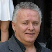 Νίκος Μεντζίνης